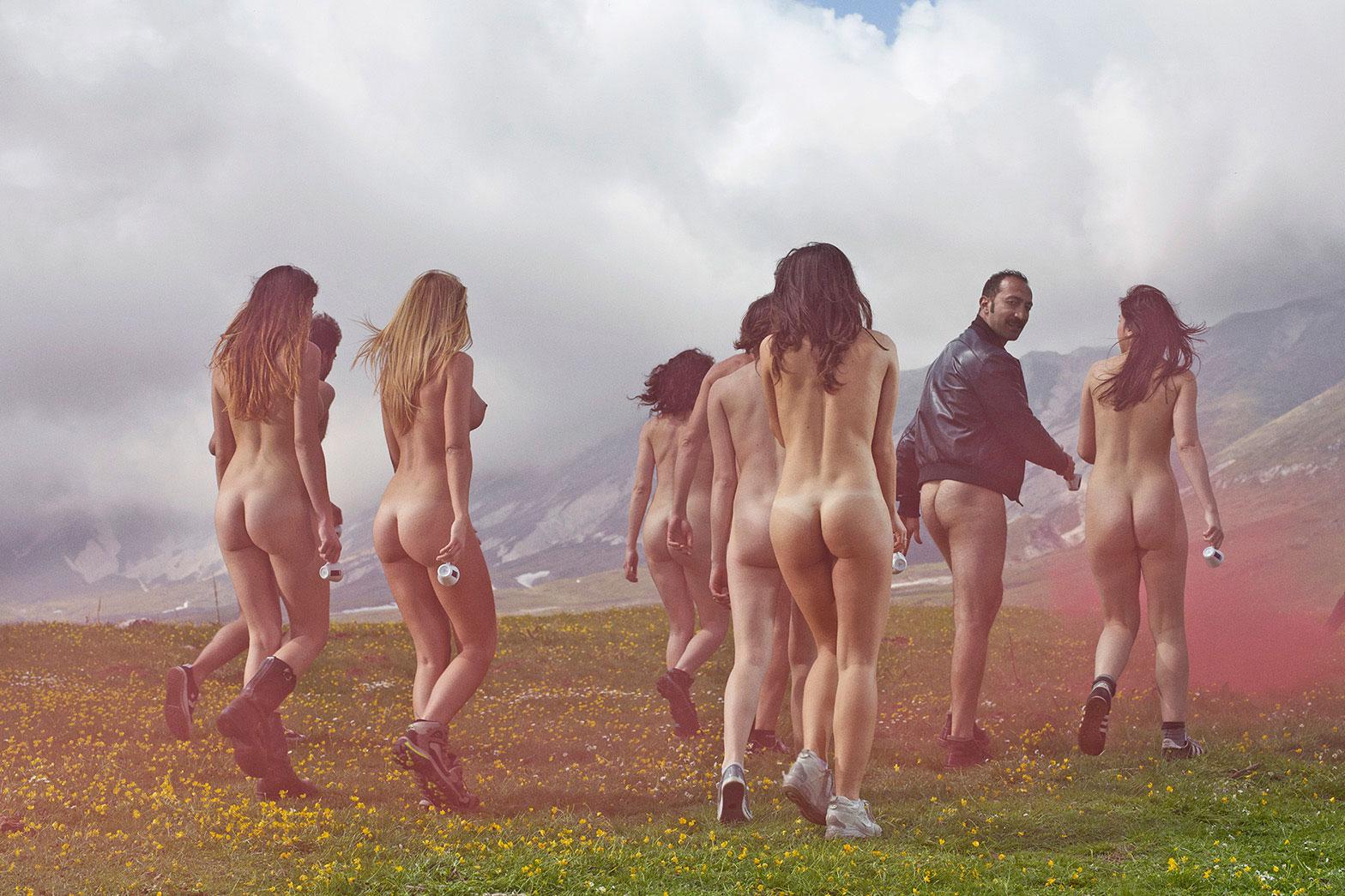 Фотоповороты Финлея МакКея (10 фото) 18+