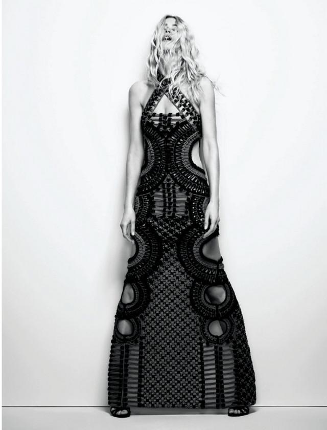 Она работала с величайшими фотографами модной индустрии, среди них: Ричард Аведон, Патрик Демаршелье