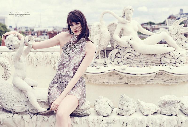 Ванесса Муди в Harper's Bazaar UK