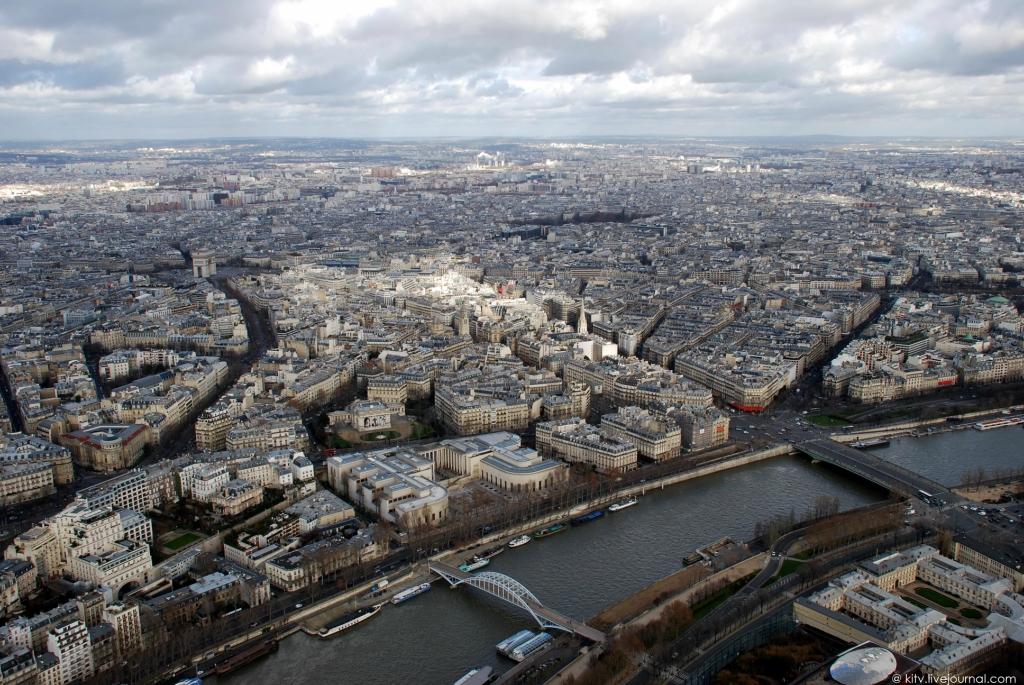 15. Панорама северной — северо-восточной части Парижа.