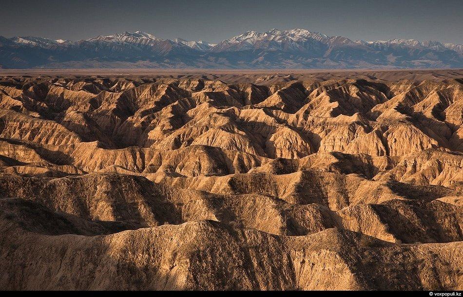 Самое популярное место каньона — Долина замков. Сюда можно попасть на туристических автобусах в тепл