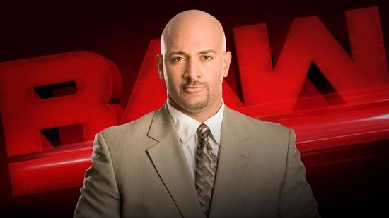 Post image of Коучмэн возвращается в WWE в роли комментатора