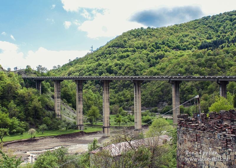 Мост над Жинвальским водохранилищем - часть Военно-Грузинской дороги