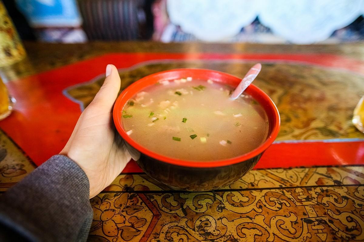18. Куриный суп — как ни странно, самый неудачный суп со странным вкусом. Съесть его не смог никто.
