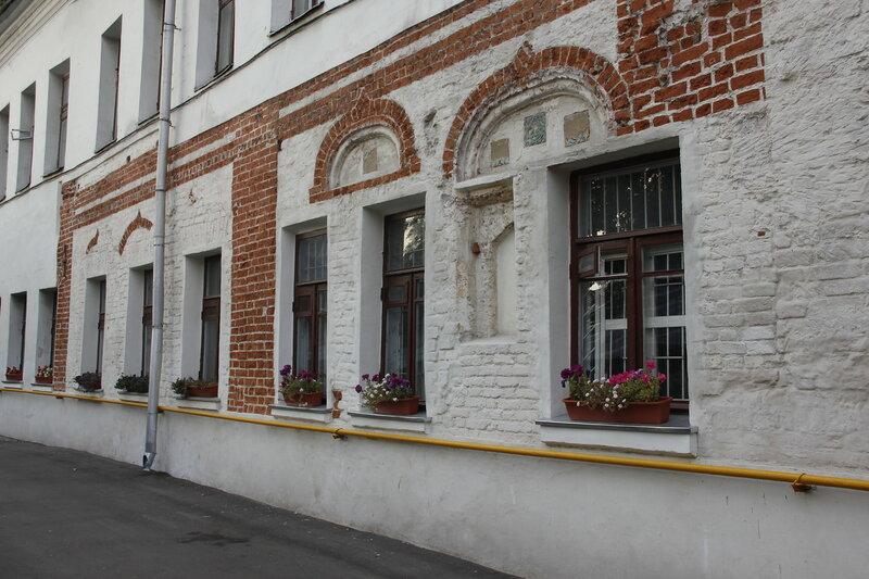Палаты 17 века в Подколокольном переулке