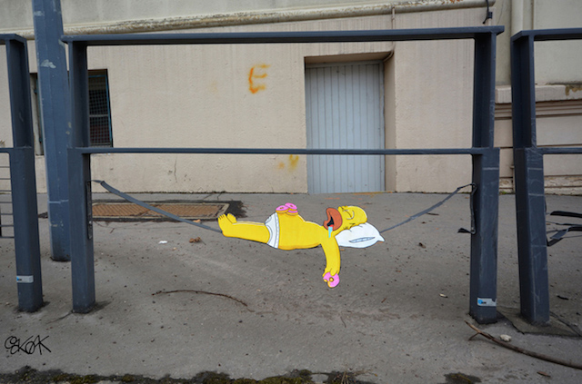 A Street Art Tribute to the Simpsons Co-Creator (11 pics)