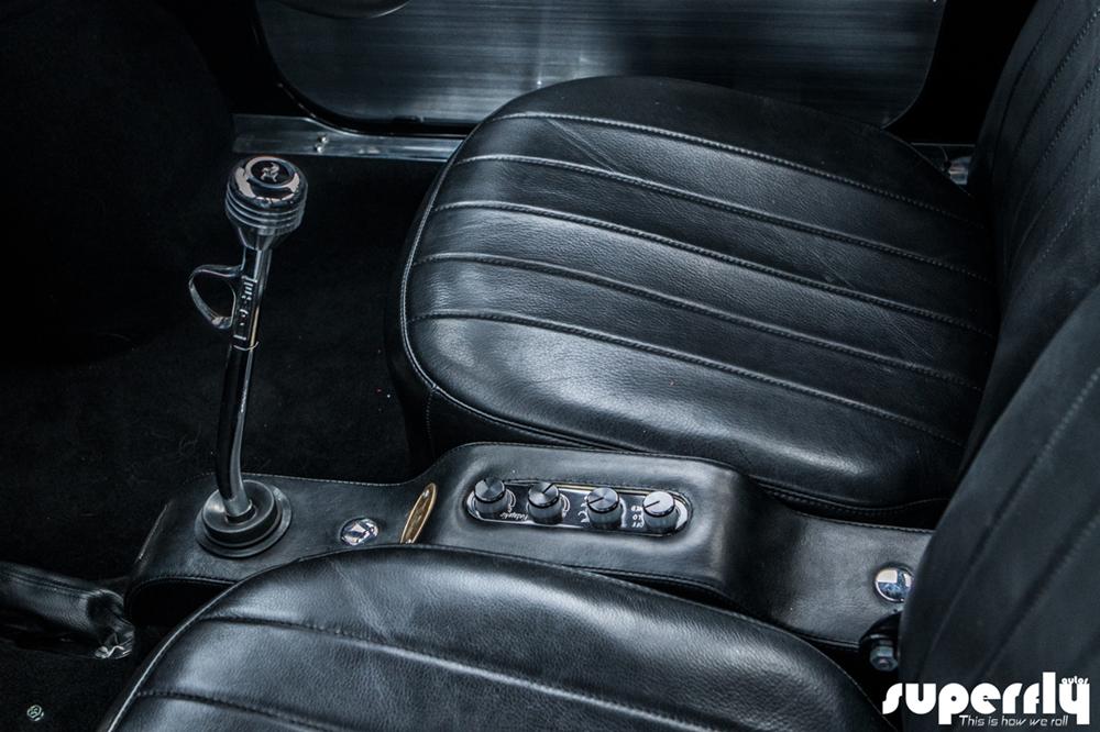 Ken's Factory: автомобиль Mazda Carol с мотором H-D Twin Cam