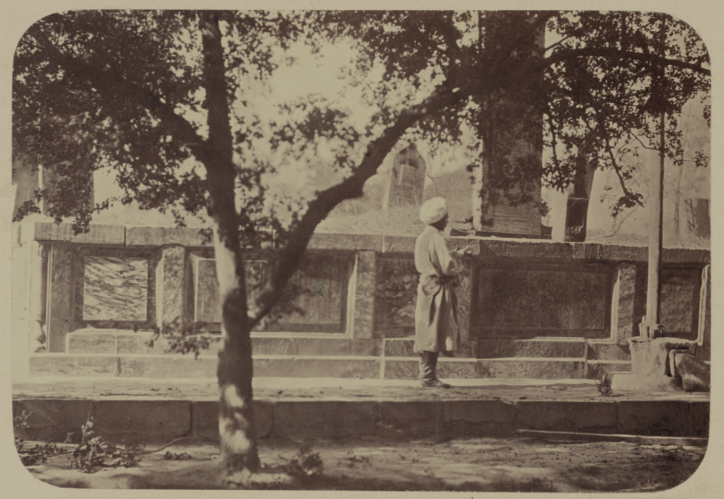 Мечеть Ходжа Ахрар. Фамильное кладбище (сагана) Ходжа Ахрара