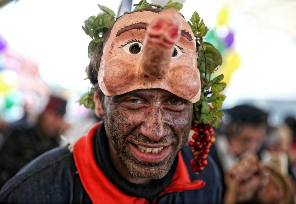 Дикий фестиваль пениса в Греции