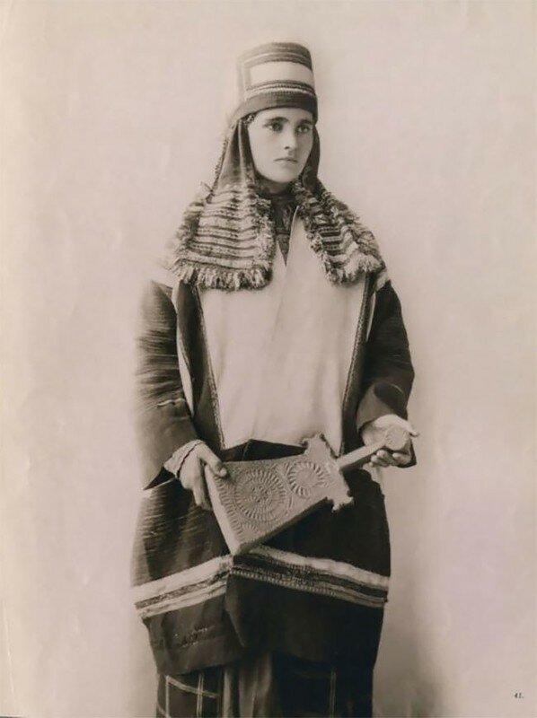 0 17a7eb 1dfb767f XL - Девушки в древних славянских костюмах на старинных фотографиях