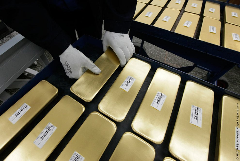 Сегодня завод Красцветмет аффинирует около 99% добываемых в России платины и палладия, практи