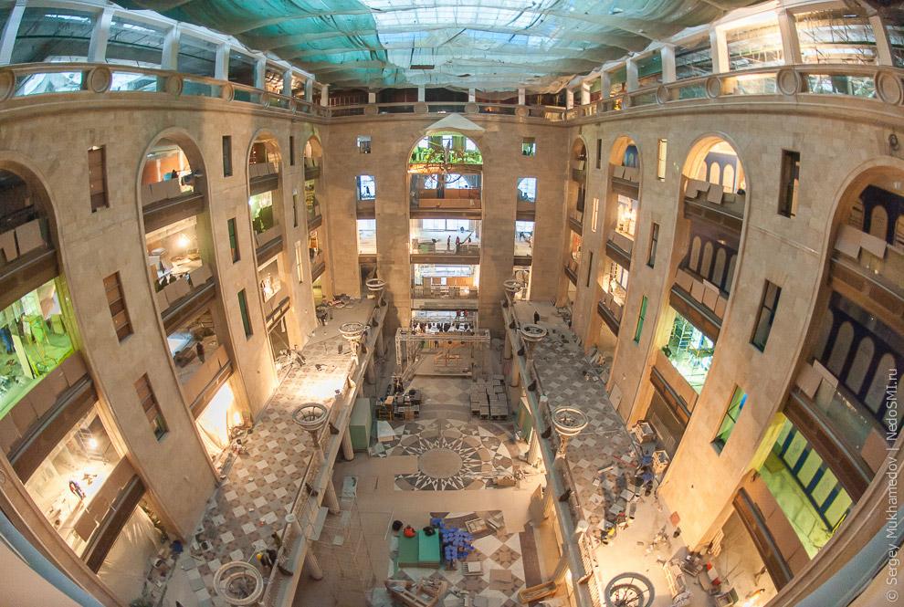 7. Раньше для торговли использовались только четыре этажа. На трех верхних были скл