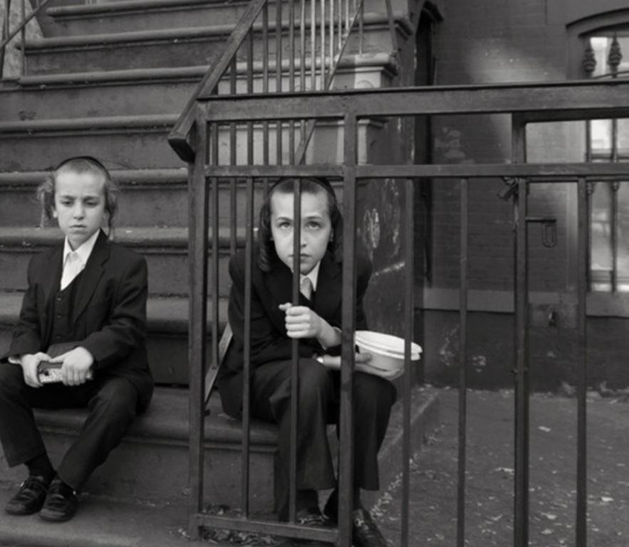 Моменты из жизни ортодоксального квартала в Нью-Йорке (15 фото)
