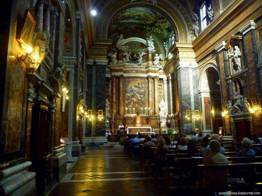 Chiesa Gesù e Maria (2).jpg
