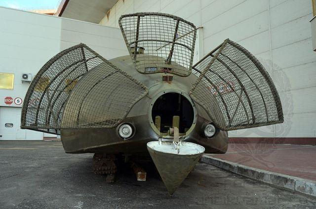 В Киеве представили бронемашину на базе трактора Т-150