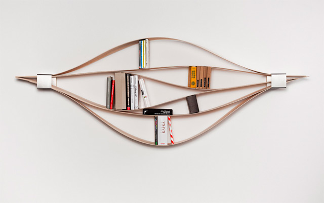 Chuck: A Flexible Wooden Bookshelf (5 pics)