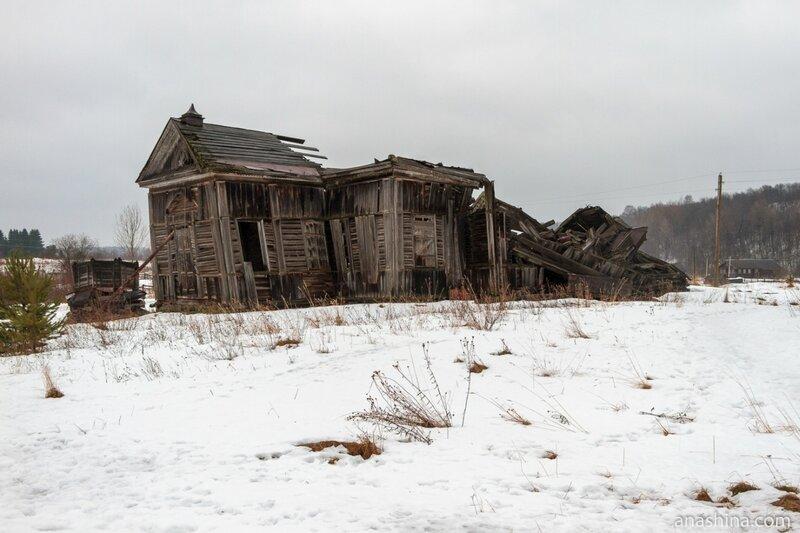 Руины Тихвинской церкви, Саминский Погост, Вологодская область