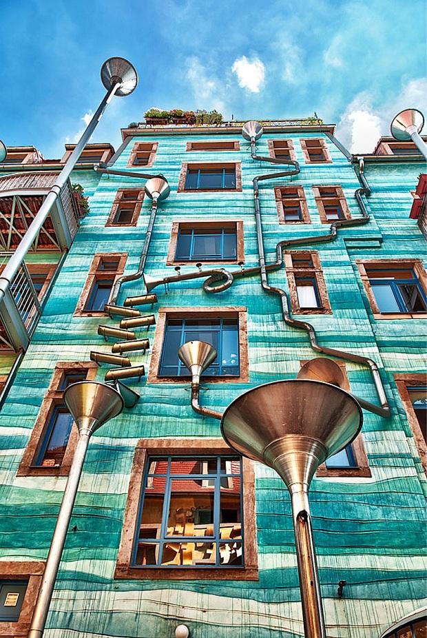 Musical Rain Gutter Funnel Wall - Dresden