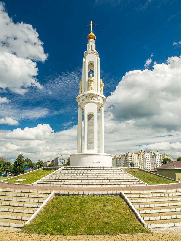 Памятник евангелистам.
