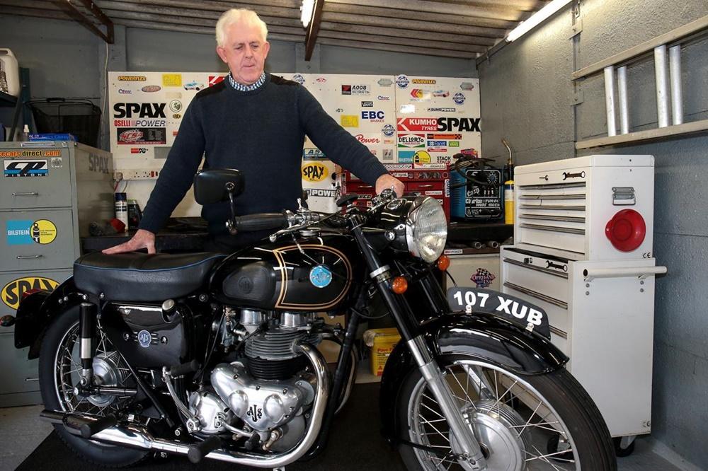 Спустя 50 лет мужчина нашел утерянный мотоцикл на eBay