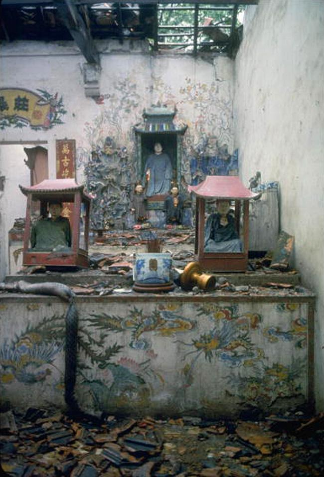 Буддийская пагода в Ханое, разрушенная во время бомбежки