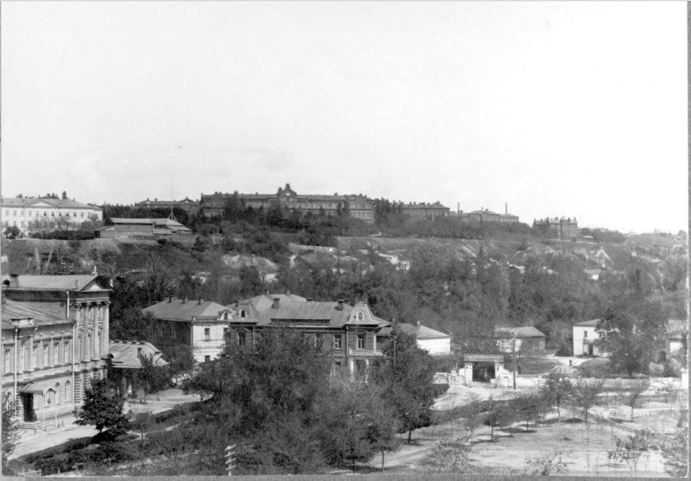 Вознесенская площадь, Вид на Технологический институт