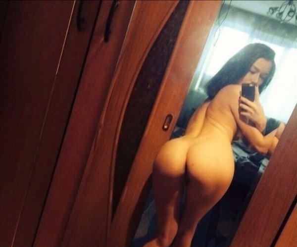 смотреть фото девушек голых на селфи