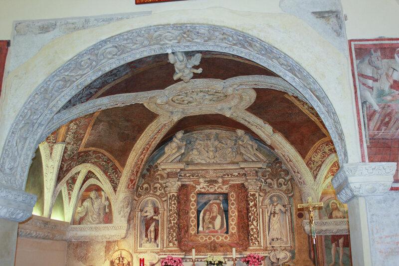 Католическая церковь в крепости