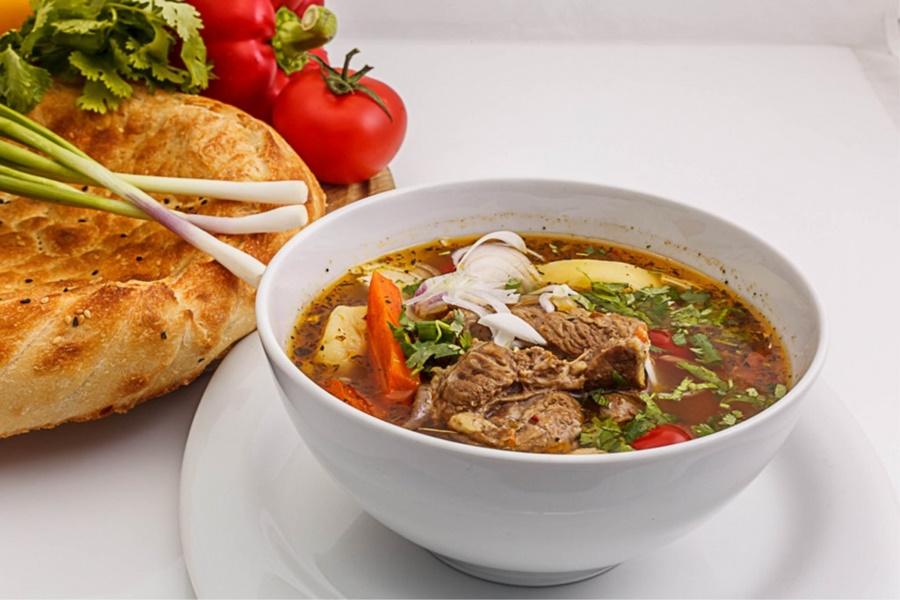 Шурпа, густой темный суп из обжаренных продуктов…