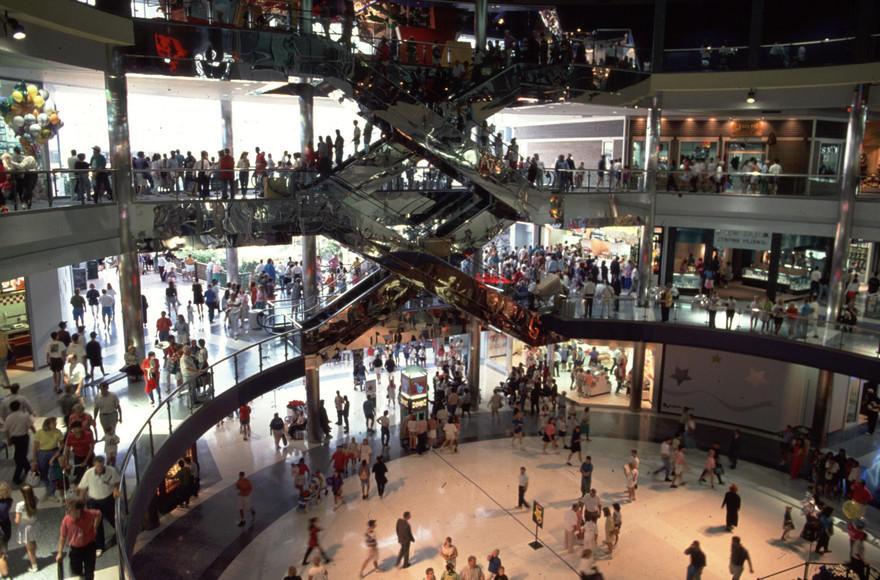 14. Самый переполненный торговый центр – Mall of America В год этот торговый центр посещает около 40