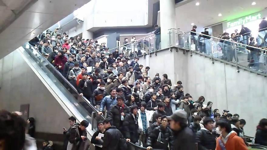 18. Самый переполненный эскалатор – Токио Из-за переполненности в один из дней один из эскалаторов в
