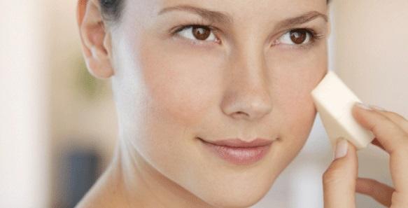 5. Наносить тональный крем только на некоторые участки лица можно лишь обладательницам идеальной