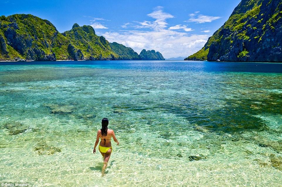 Пляж Стар-бич на острове Эль-Нидо, Филиппины — место с самой прозрачной водой в мире согласно рейтин