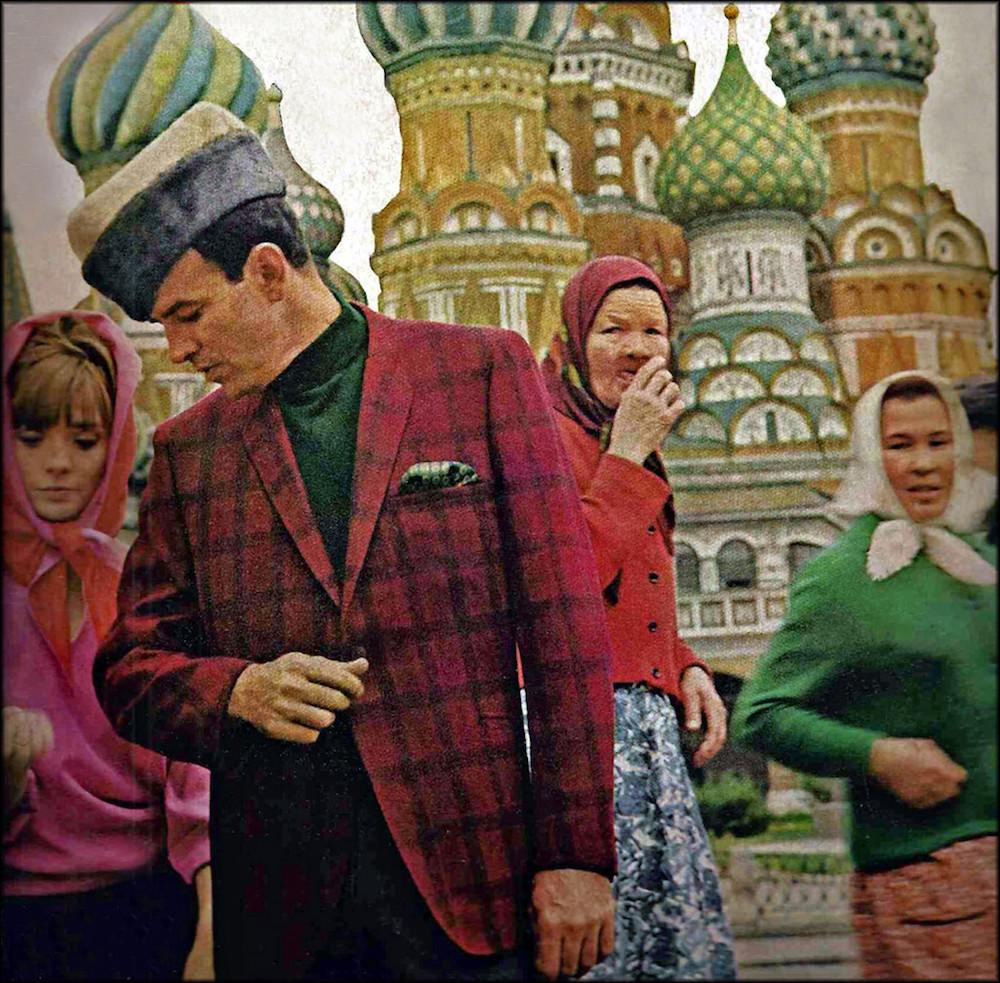 Любимая локация большиства иностранных фотосессий в Первопрестольной Парад модных причесок 1965 года