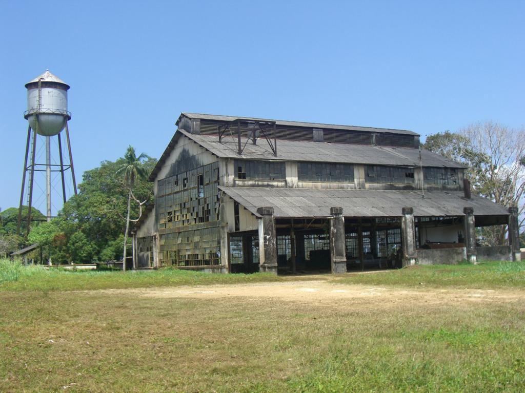 Бразилия. Фордландия была основана Генри Фордом в 1928 году как промышленный центр по производст
