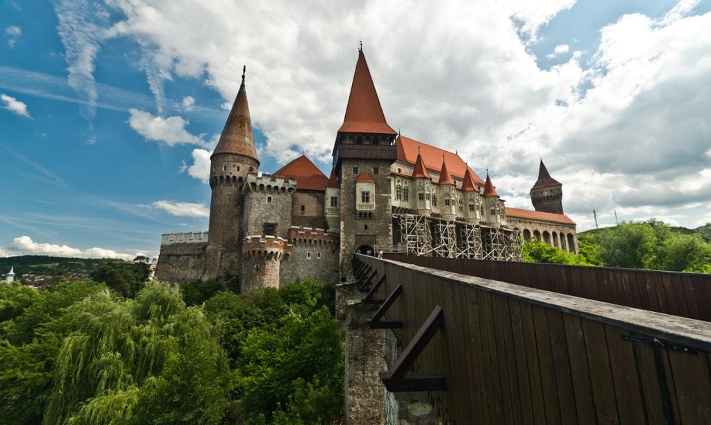 2 место. Хунедоара, Трансильвания. Замок Корвинов. (Lupu Radu)