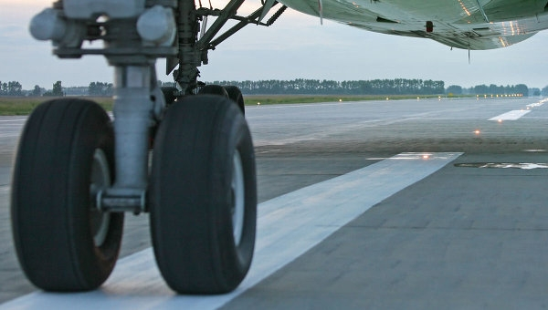 Во «Внуково» приземлился самолет сотказавшим двигателем