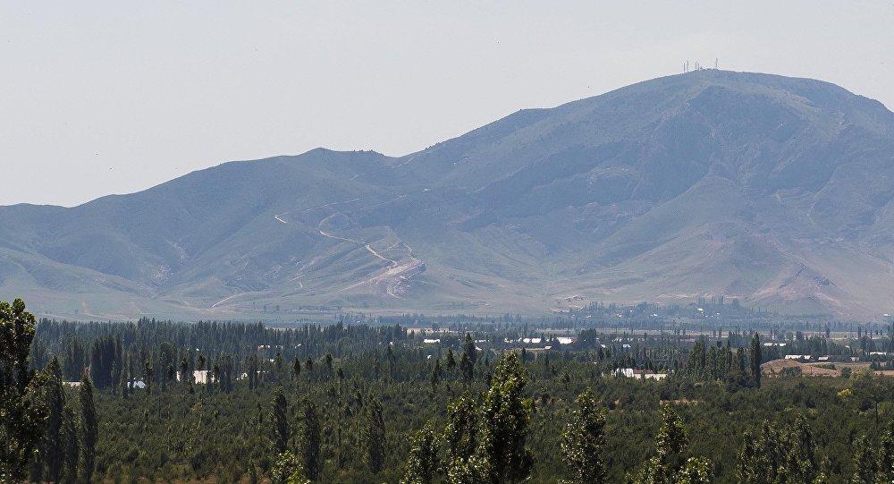 20 служащих узбекской милиции остаются наУнкур-Тоо