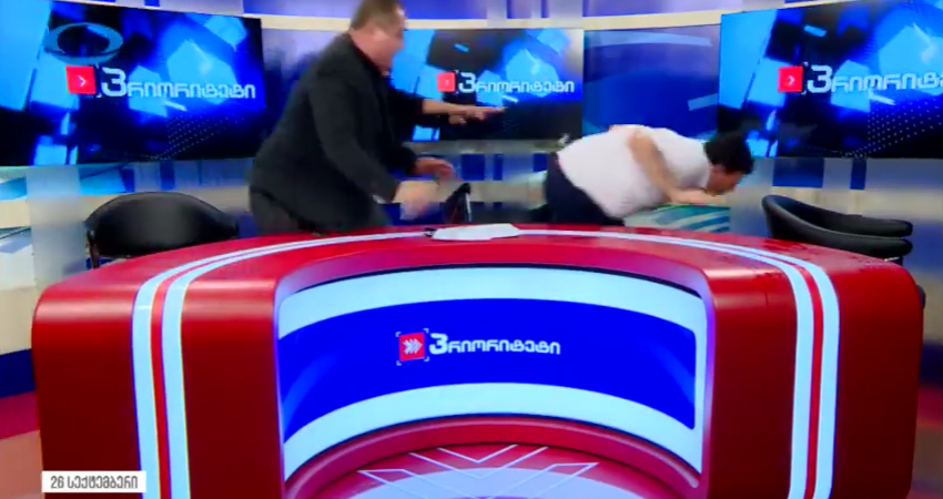 Грузинские политики закидали друг дружку стаканами впрямом эфире