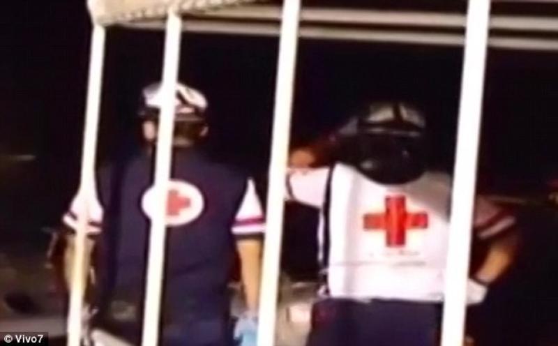 Самолет сосъемочной группой реалити-шоу потерпел крушение вокеане