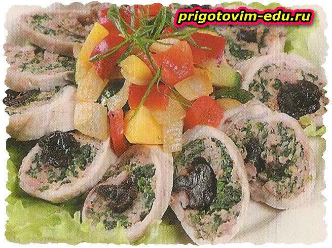 Рулет из свинины с овощами