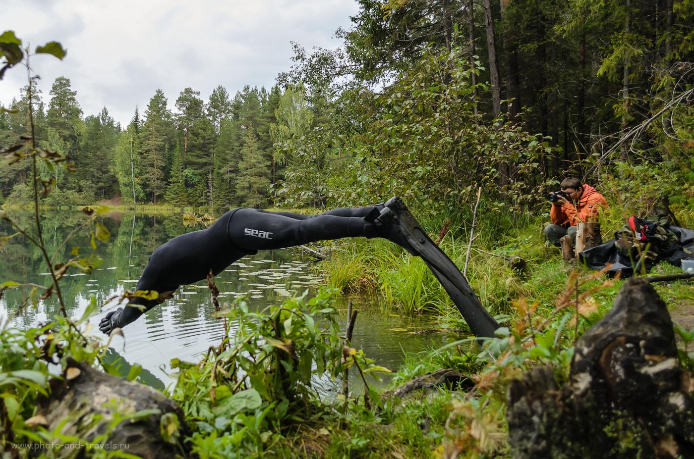 """Фото 10. А вы думали, что ихтиандры не существуют? ;) На берегу Бездонного озера вы можете их встретить запросто! Камера Nikon D5100 KIT 18-55 VR в режиме съемки """"Спорт"""". Параметры: 1/1000, 4.0, 18 мм, ИСО 400."""