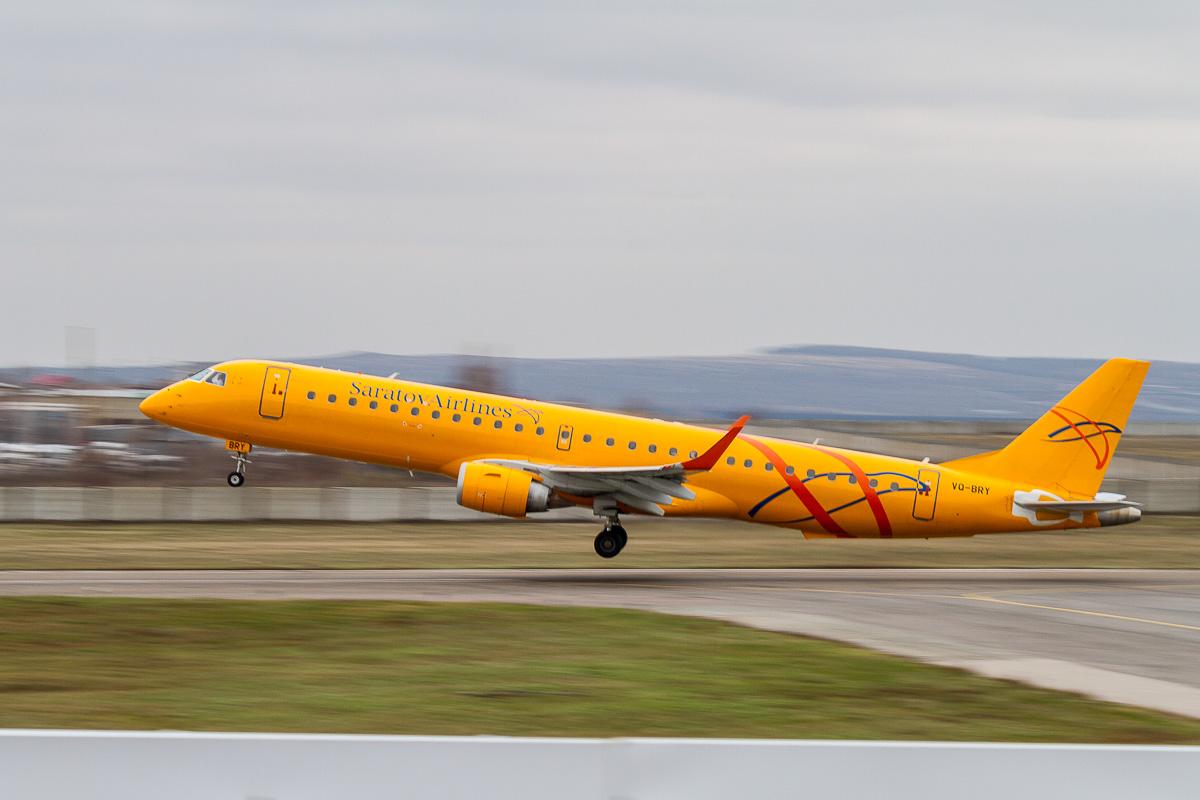 Embraer-195 взлёт фото 1