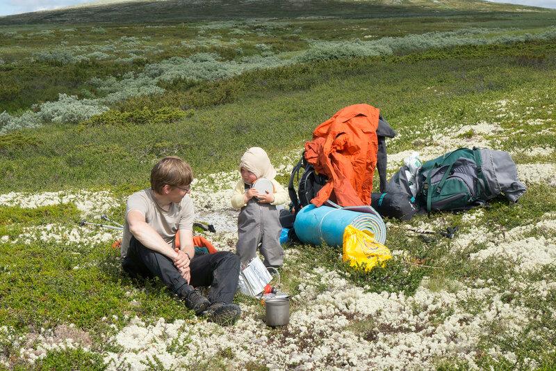 пеший поход с годовалым ребенком по тундрам Норвегии