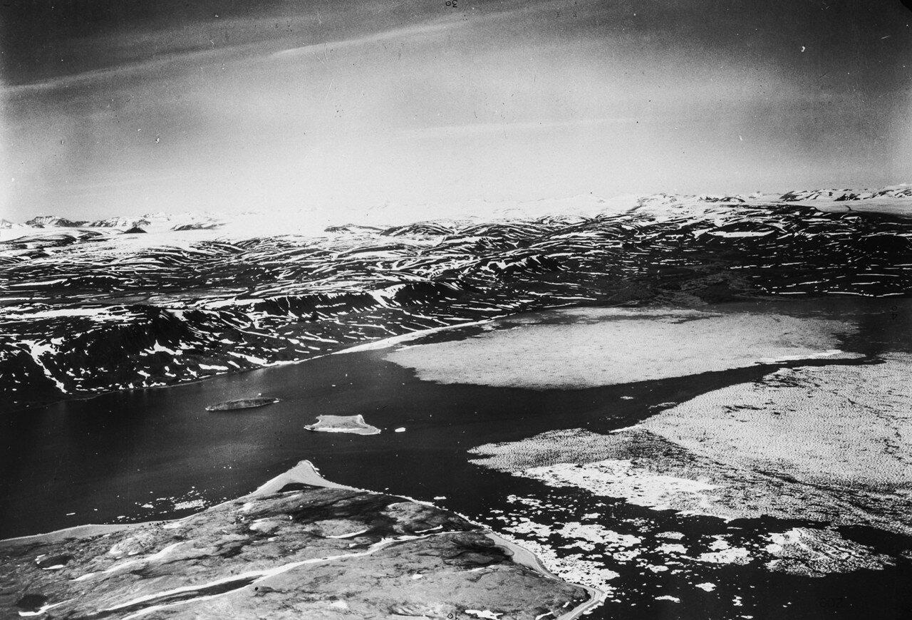1931. Новая Земля. Вид с воздуха на восточное побережье
