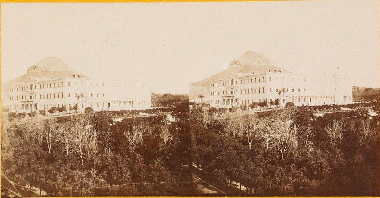 Королевский дворец на фоне Акрополя