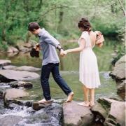 Влюбленные у ручья