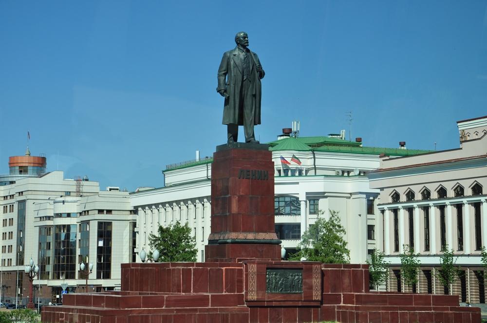 Памятники казань фото города памятник в москве в честь взятия казани