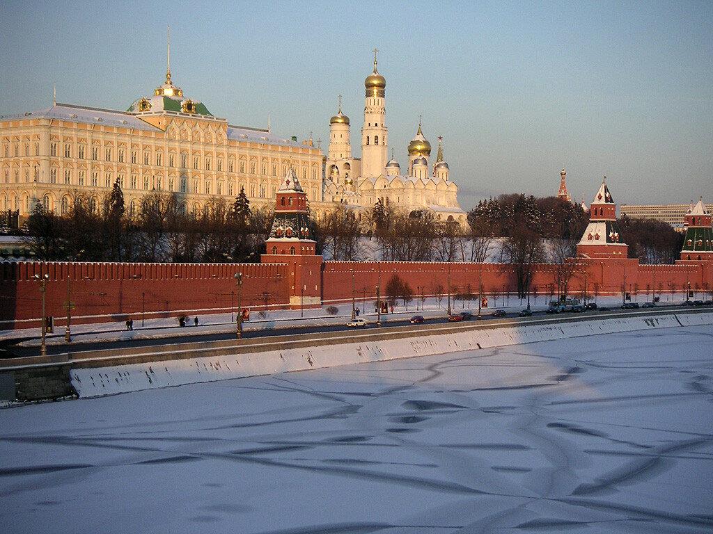 Kremlin_Moskow_1.jpg
