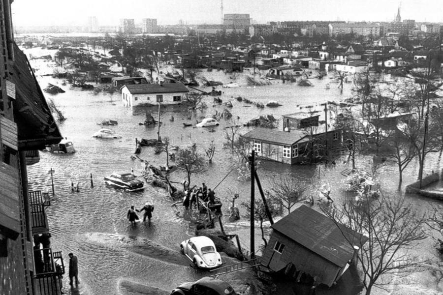 Hamburg In-der-Sturmflut-von-1962-verloren-315-Menschen-ihr-Leben.jpg